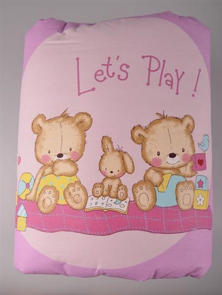 Deka na hraní s roztomilými medvídky.